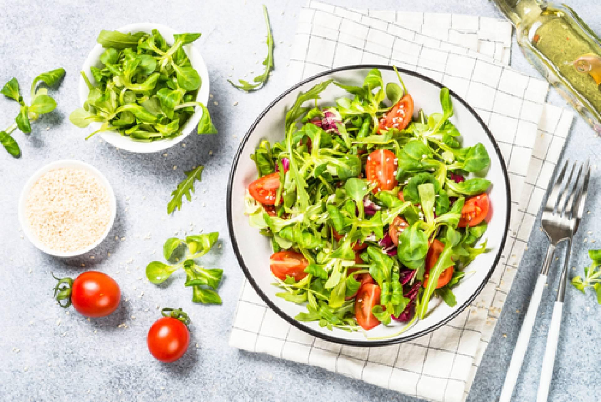 Summer Arugula Salad- salmon burger